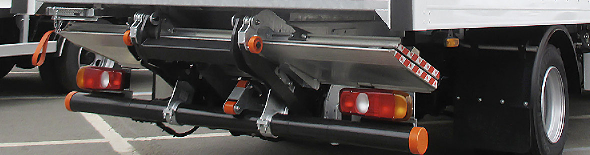 Гидроборт подворачивающийся для промтоварного фургона