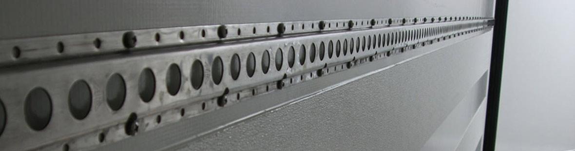 Рейки в 1 ряд на двух стенах