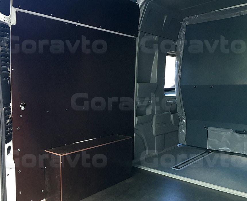 Обшивка грузопассажирского фургона Fiat Ducato ламинированной коричневой фанерой: Арки, стены и пол