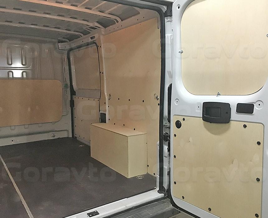 Обшивка фургона Fiat Ducato берёзовой и ламинированной фанерой: Двери, стены, пол, арки и перегородка