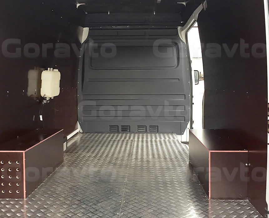 Установка отопителя «Webasto» в фургон Mercedes-Benz Sprinter Classic: Грузовой отсек