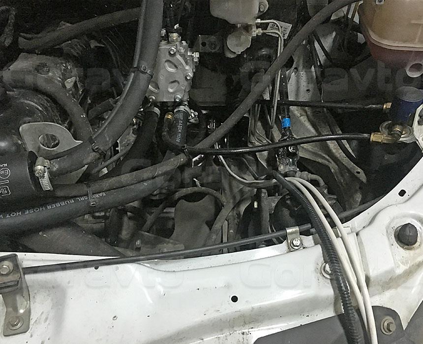 Утепление промтоварного фургона с установкой отопителя «Планар»: Монтаж проводки пульта управления отопителем