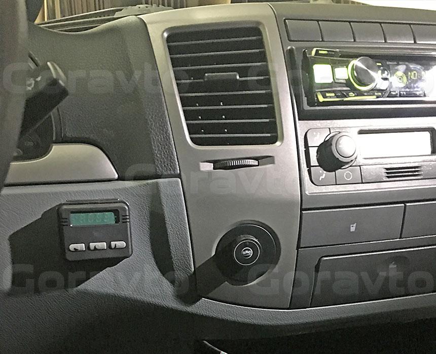 Утепление промтоварного фургона с установкой отопителя «Планар»: Пульт управления отопителем