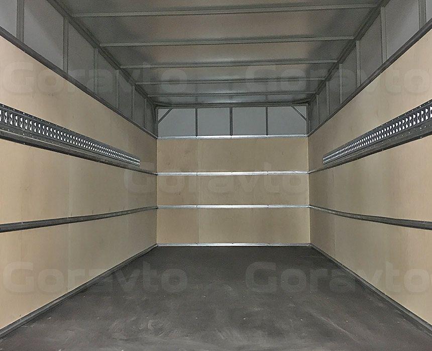 Установка такелажной рейки в промтоварный фургон: Стены с рейками