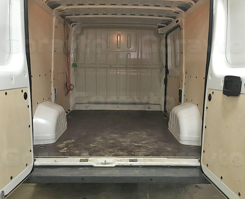Установка парктроника в фургон: Установленные датчики