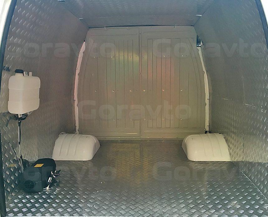 Утепление, обшивка и установка отопителя в Газель: Вид со стороны задних дверей