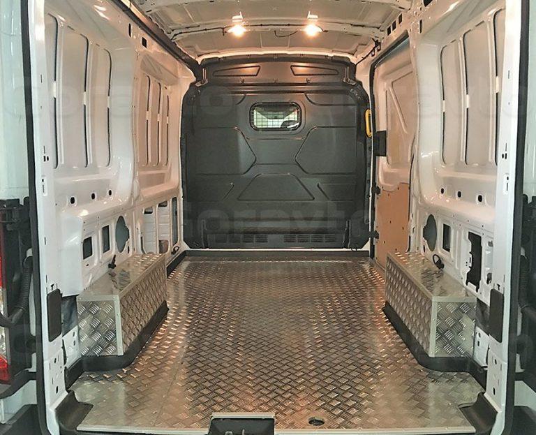 Обшивка пола фургона Ford Transit алюминием