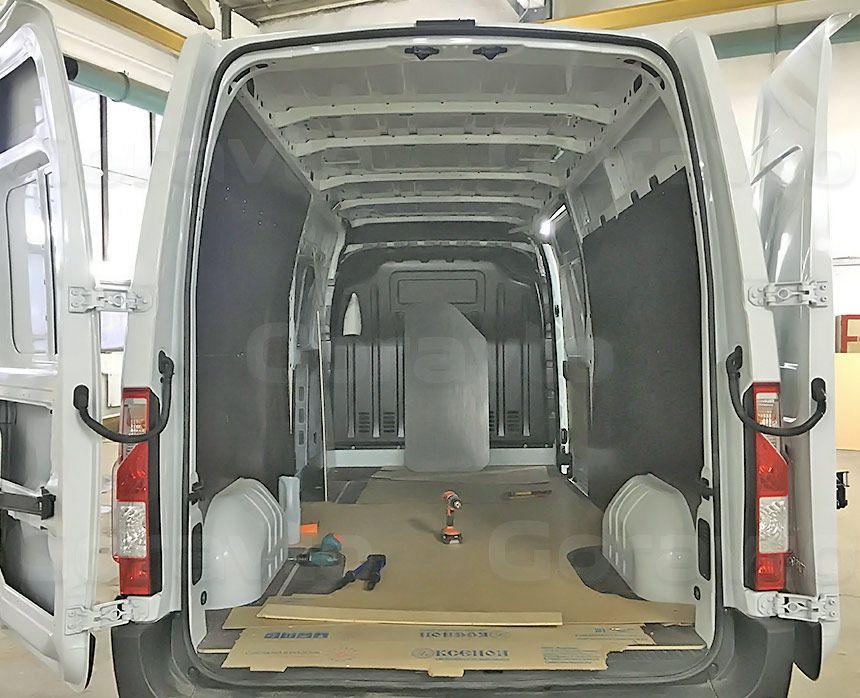 Обшивка фургона Renault Master ламинированной фанерой: Монтаж обшивки