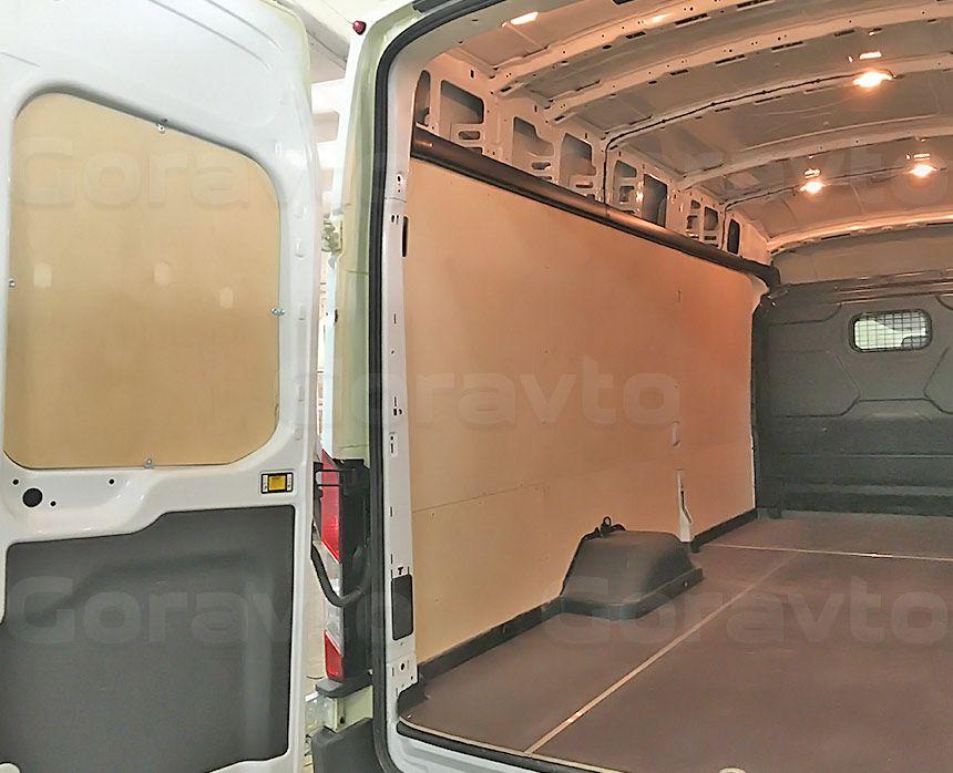 Обшивка фургона Ford Transit берёзовой и ламинированной фанерой: Пол, стены и двери