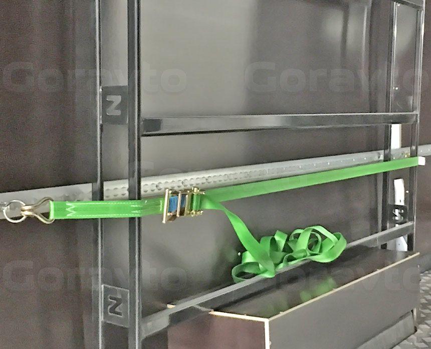 Установка такелажных реек в фургон Ford Transit: Такелажная рейка и ремень