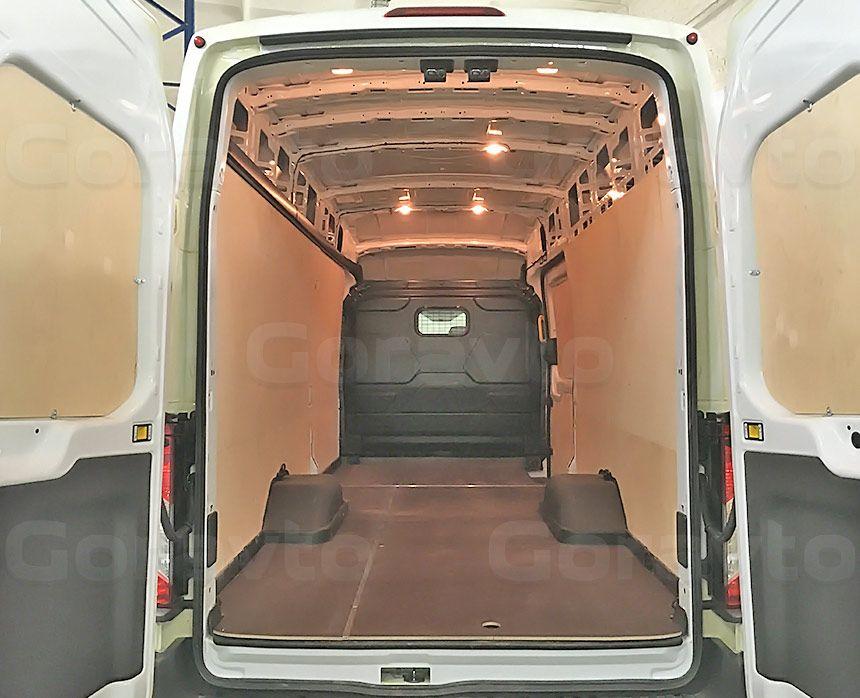 Обшивка фургона Ford Transit берёзовой и ламинированной фанерой: Вид со стороны задних дверей