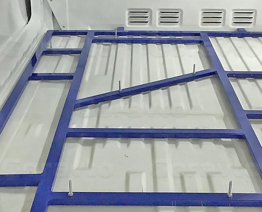 Мобильный шиномонтаж на основе фургона Mercedes-Benz Sprinter Classic: Рама для установки оборудования (крупный план)