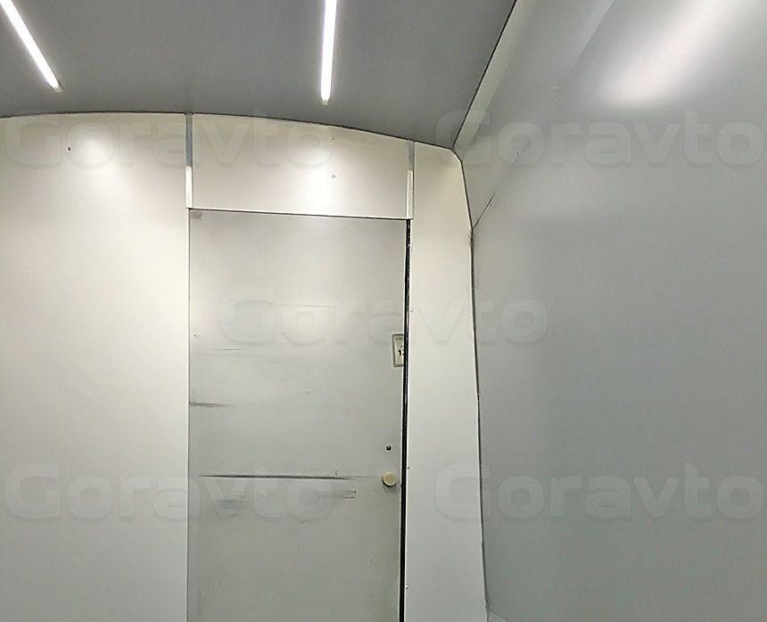 Установка светодиодной ленты в два отсека фургона Ford Transit: Светодиодные ленты и перегородка между отсеками
