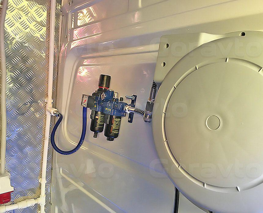Мобильный шиномонтаж на основе фургона Mercedes-Benz Sprinter Classic: Установка катушки для раздачи воздуха