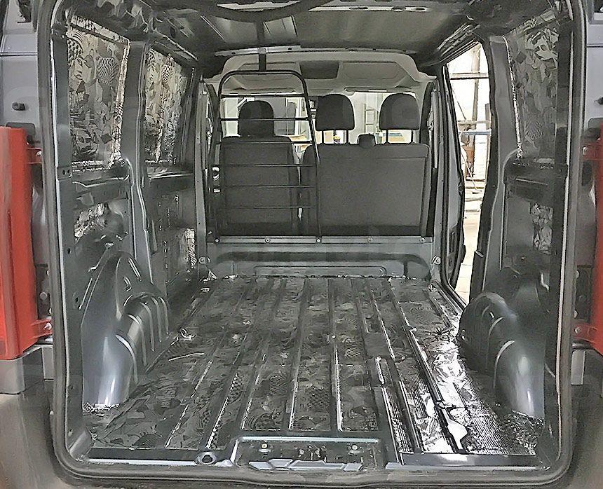 Виброизоляция фургона Citroen Jumpy: Виброизоляция стен и пола