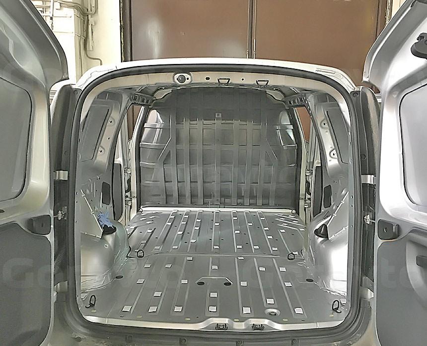 Установка пола в фургон Lada Largus: 1