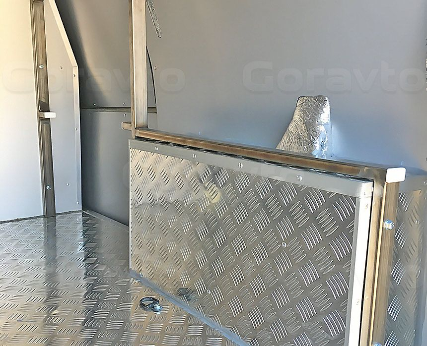 Утепление фургона Лада Ларгус: Направляющие для стеллажа