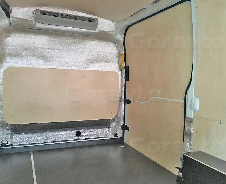 Утепление цельнометаллического фургона Ford Transit: Обшитый и утеплённый фургон