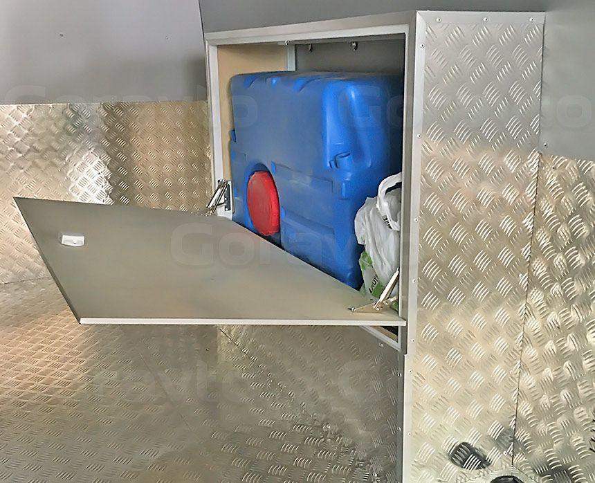 Автомобиль для перевозки мотоцикла на базе грузопассажирского Mercedes-Benz Sprinter: Шкаф для бака на аркой фургона