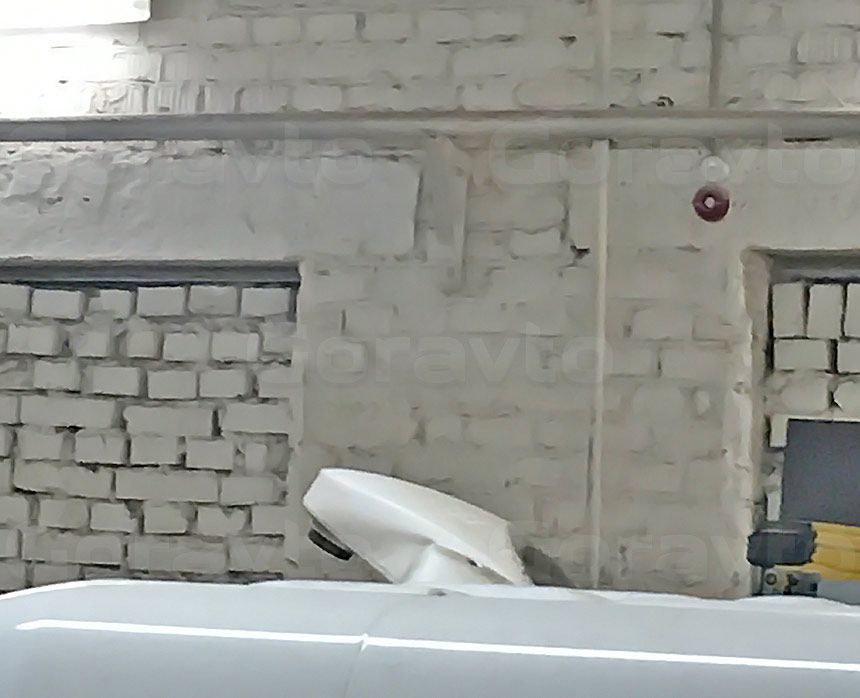 Установка камеры заднего вида в фургон Mercedes-Benz Sprinter Classic: Вид сбоку