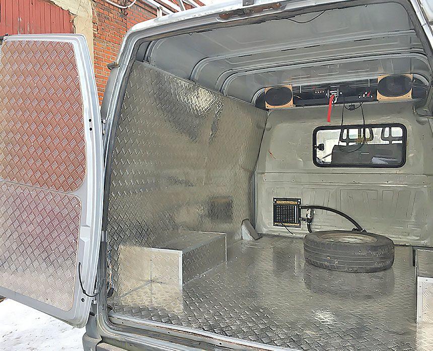 Автомобиль для охоты на основе фургона ГАЗ Соболь: Обшивка фургона из алюминия «Квинтет»