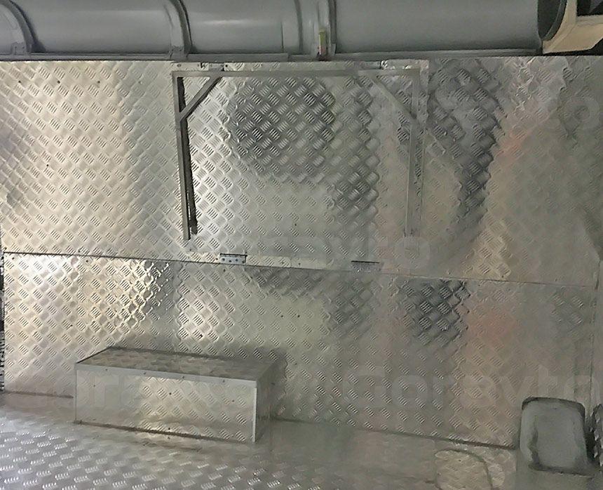 Автомобиль для охоты на основе фургона ГАЗ Соболь: Разделочный столик в фургон в собранном виде