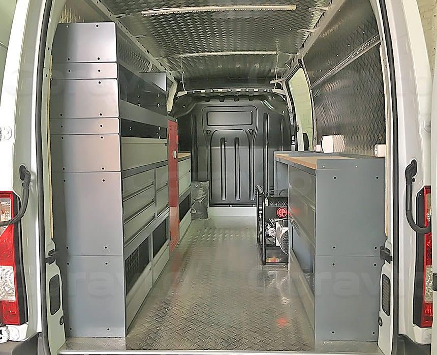 Мобильная мастерская на основе фургона Renault Master: Мастерская на колёсах