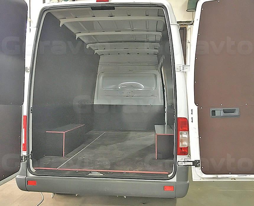 Обшивка фургона Mercedes-Benz Sprinter Classic ламинированной фанерой: Обшивка дверей фургона