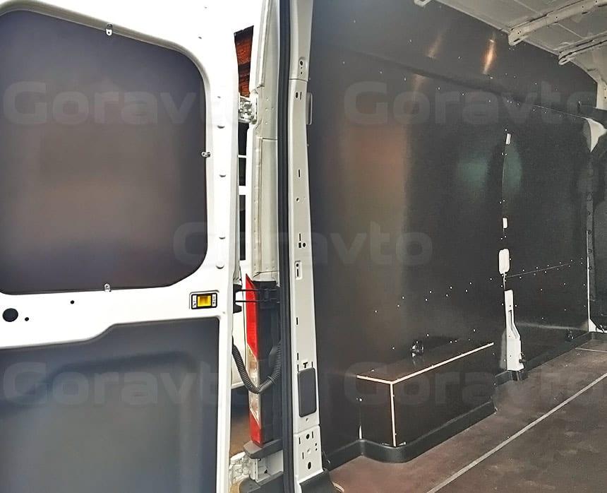 Обшивка фургона Ford Transit ламинированной фанерой: Обшивка пола, стен, арок и дверей фургона