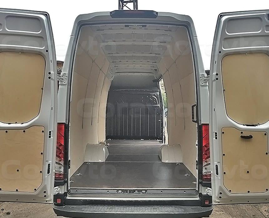 Обшивка фургона Iveco Daily фанерой: Обшивка стен и дверей фургона