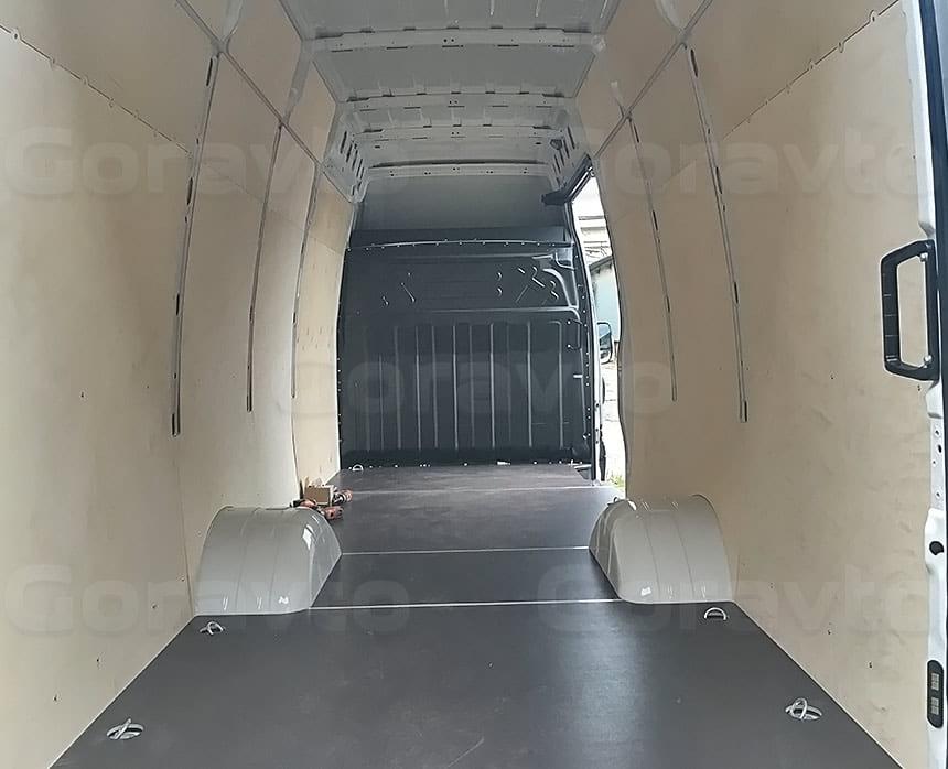 Обшивка фургона Iveco Daily фанерой: Обшивка стен и пола фургона