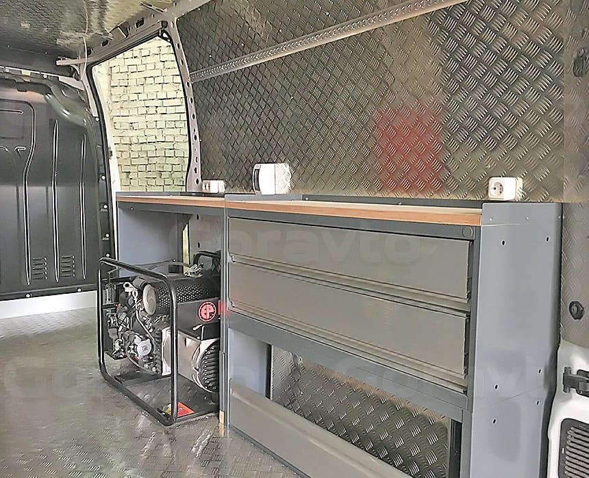 Мобильная мастерская на основе фургона Renault Master: Подключение генератора и отведение выхлопа в фургоне