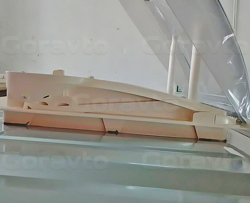 Установка люка в грузопассажирский фургон Fiat Ducato: Прозрачный люк на крыше фургона