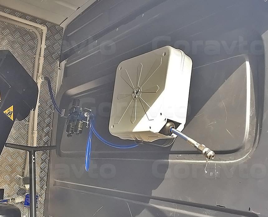 Мобильный шиномонтаж на базе фургона Mercedes-Benz Sprinter Classic: Катушка для раздачи воздуха