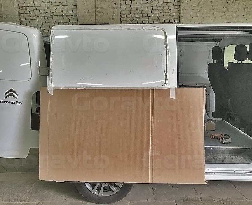 Переоборудование грузового фургона Citroen Jumpy в грузопассажирский: Подготовка фургона для врезки стекол