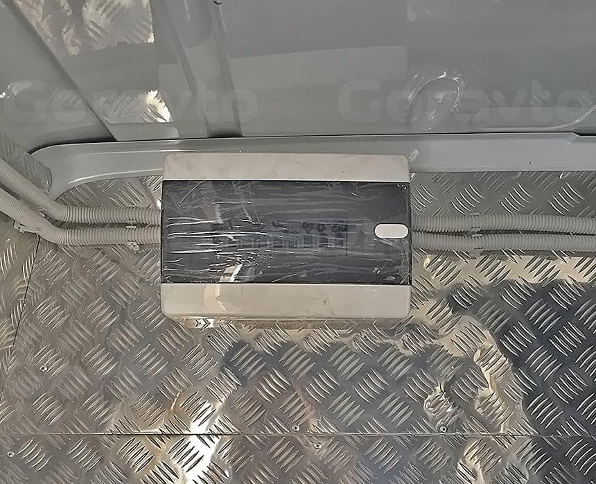 Мобильный шиномонтаж на базе фургона Mercedes-Benz Sprinter Classic: Установка электрощитка