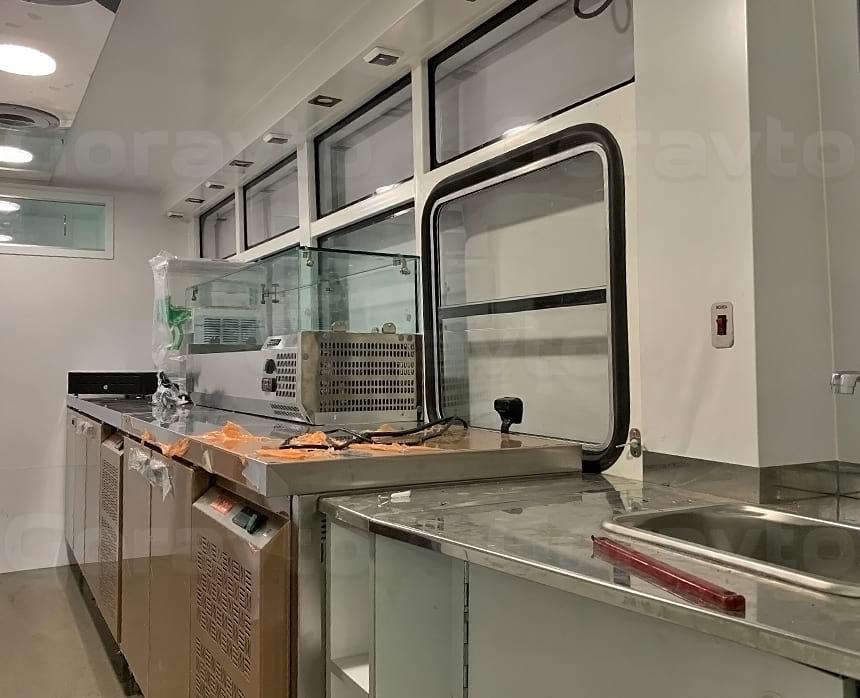 Монтаж и подключение двух холодильных установов в кузов фудтрака