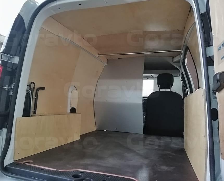Обшивка грузового отсека фургона Рено Докер березовой фанерой
