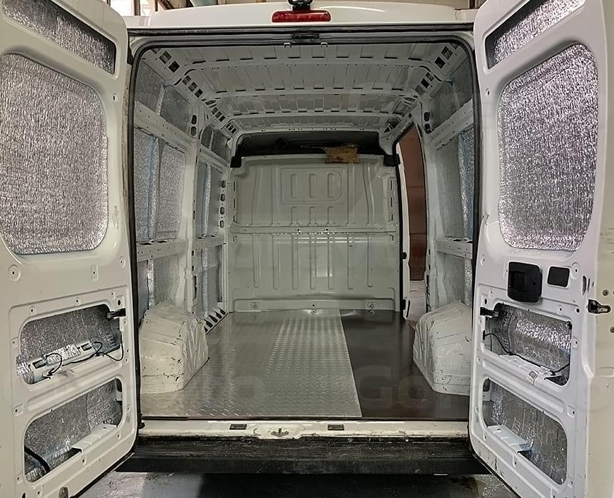 Утепление кузова фургона фольгированным утеплителем