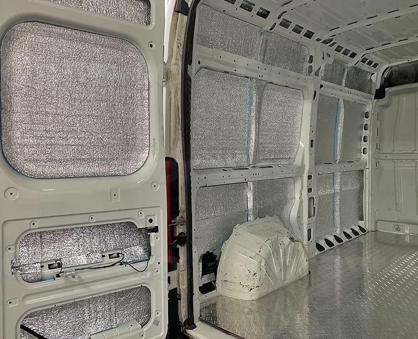 Утепление стен, дверей и потолка фургона
