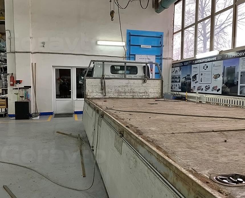 Демонтаж листов пола бортовой платформы