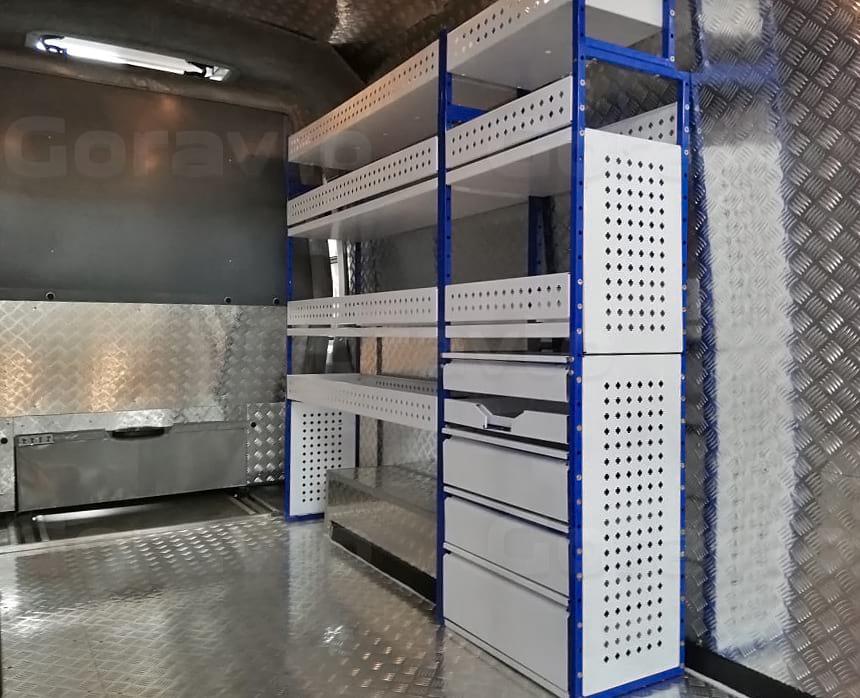 Изготовление и установка стеллажа в грузопассажирский фургон Форд Транзит