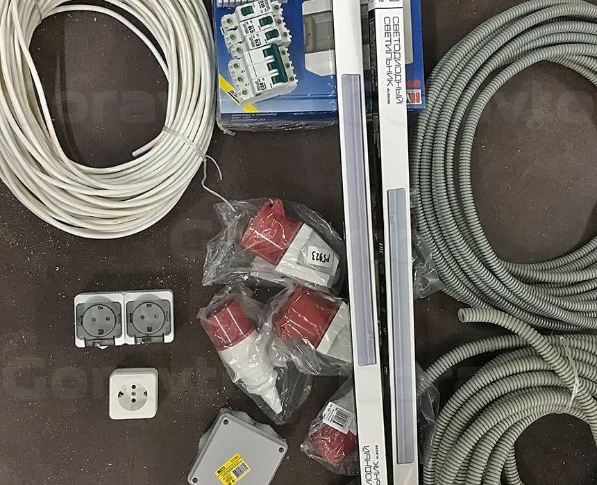 Монтаж электрики в кузове фургона
