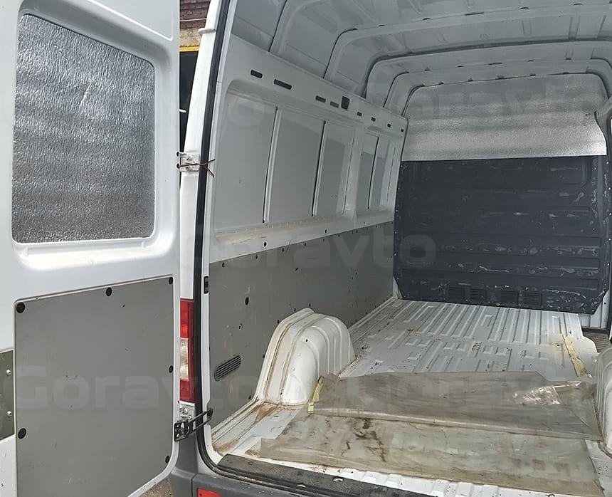 Переоборудование уже БУ фургона Мерседес Спринтер Классик в мобильный шиномонтаж_