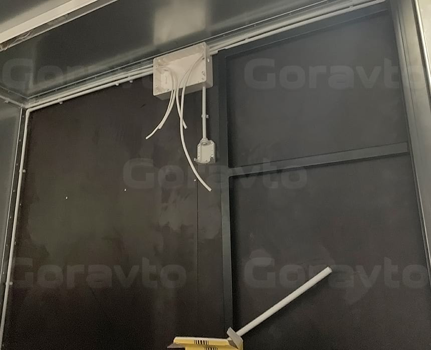 Разводка электрики в пластиковых трубках, установка светильников и щитка