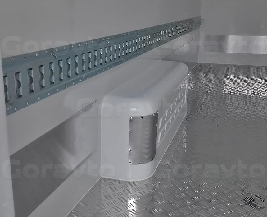 Установка такелажной рейки для крепления груза внутри изотермического фургона