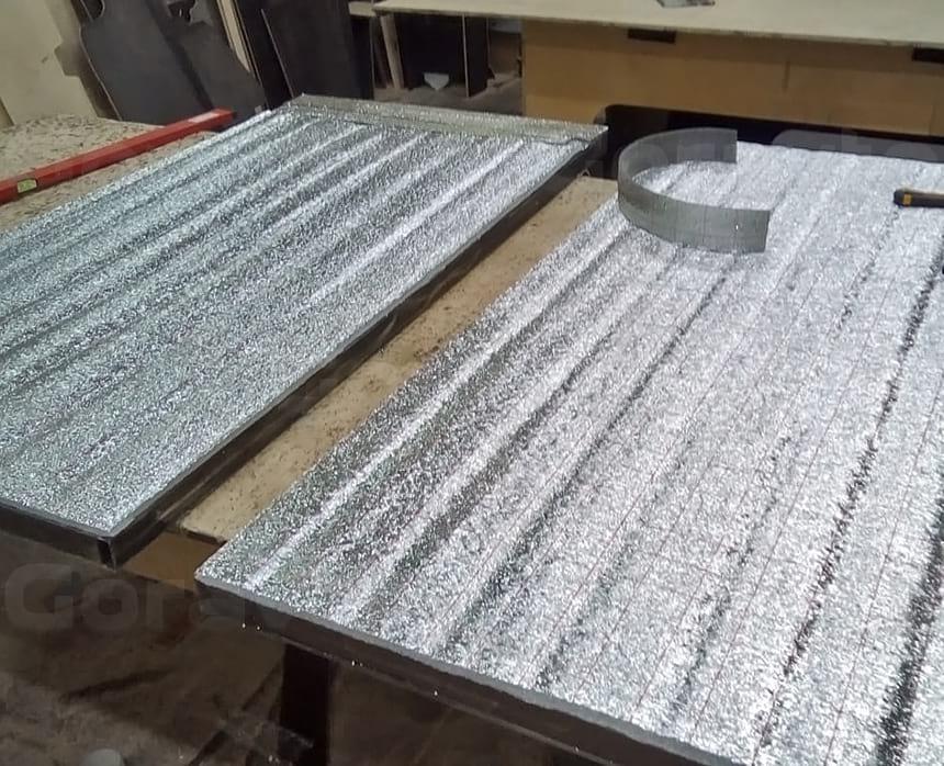 Утепление задних дверей пенопластом с последующим утеплением фольгированным утеплителем