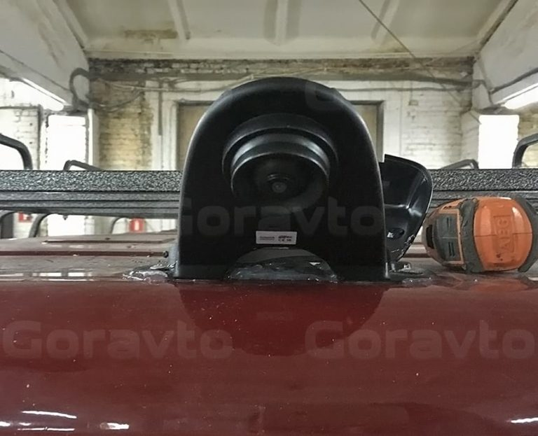 Установка камеры заднего вида на фургон Газель