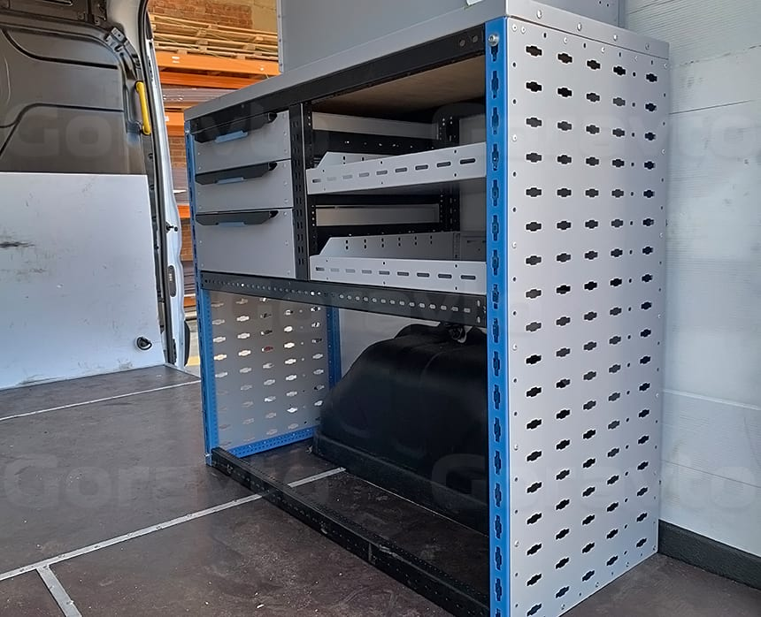 Изготовление и установка системы из двух стеллажей в фургон Ford Transit: Металлический стеллаж с выдвижными полками в фургон