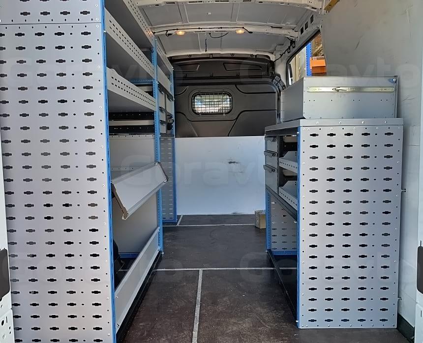 Изготовление и установка системы из двух стеллажей в фургон Ford Transit: Оснащение фургона стеллажами